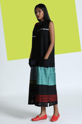 Long tunic dress with mandarin collar and a concealed placket