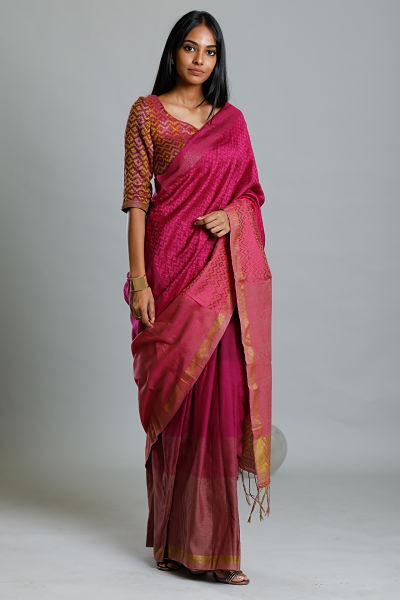 Urban Drape Mountain Majesty Saree