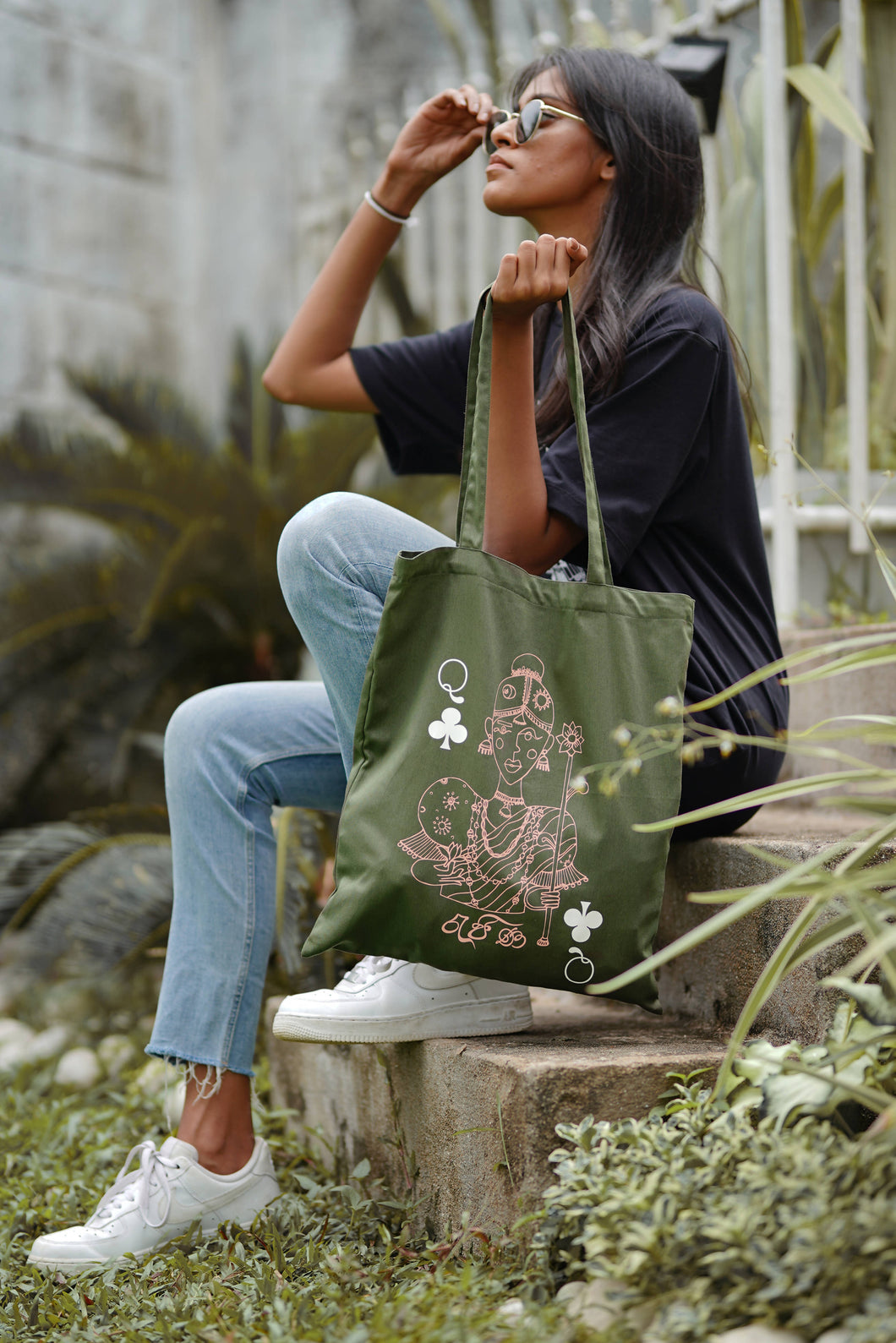 Queen of Taprobana Tote Bag