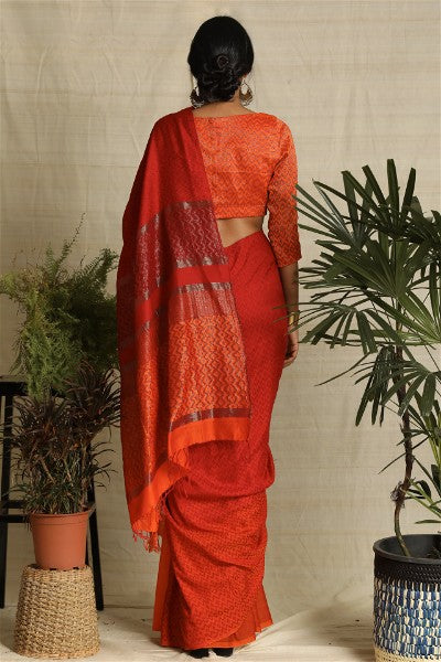 Urban Drape Sunset Halo Saree