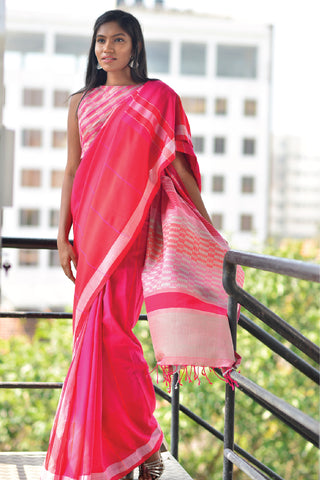 Urban Drape Storm Of Petals Saree
