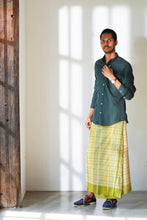 Load image into Gallery viewer, MENDES Ceylon - Hand woven Harith Sarong