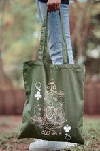Load image into Gallery viewer, Queen of Taprobana Tote Bag