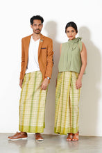 Load image into Gallery viewer, MENDES Ceylon - Hand Woven Kotu Sarong