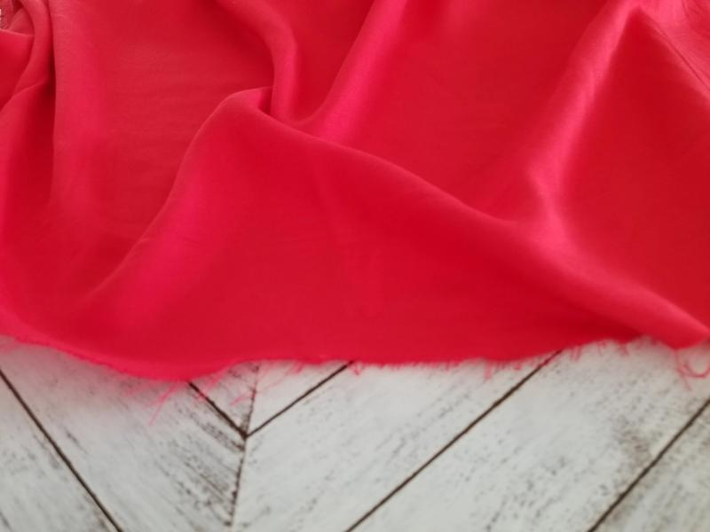 End of Bolt: 5 yards of Famous Maker Rayon Twill Paprika Red Woven- Remnant