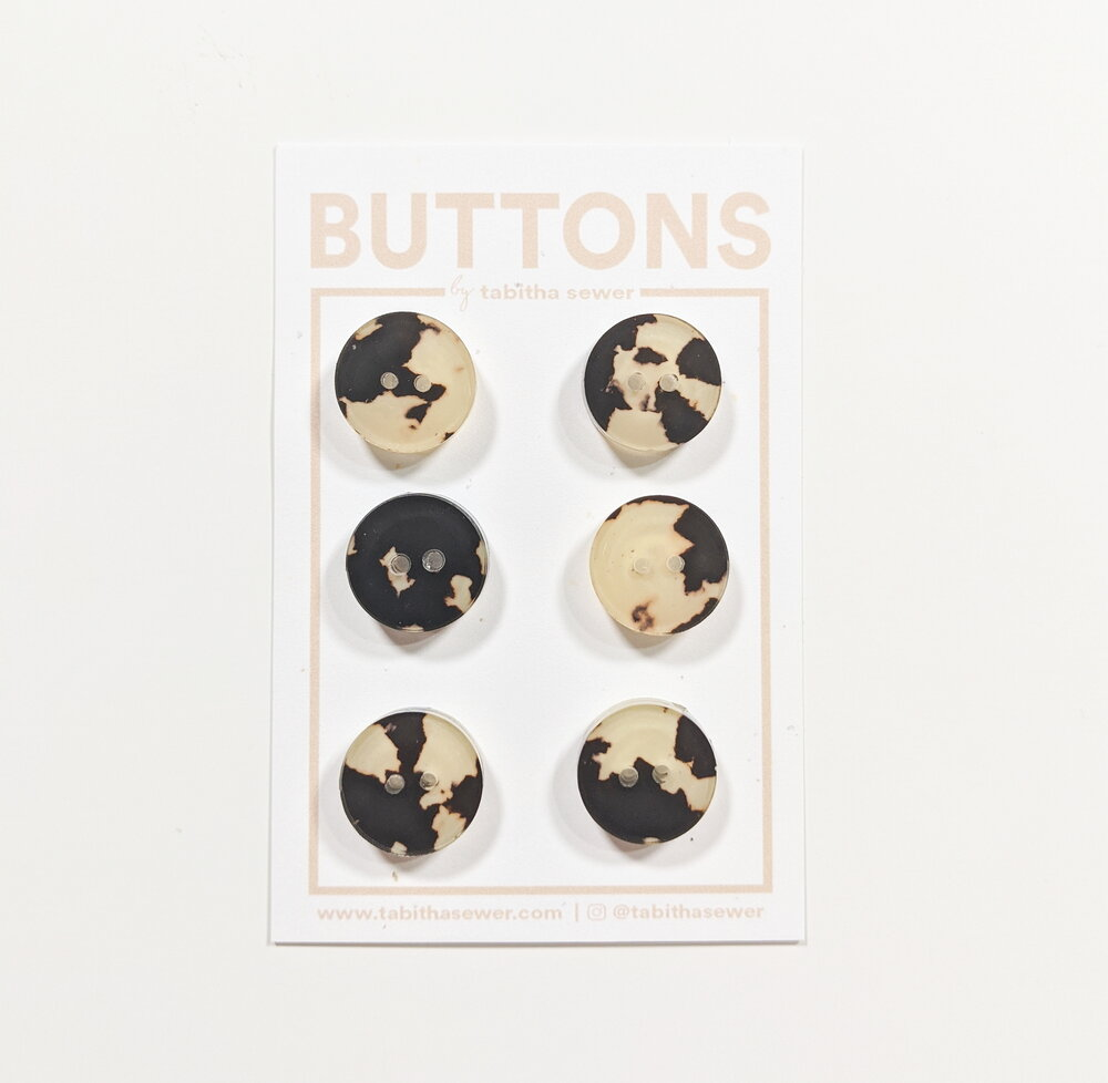 Notions: Tortoise Classic Circle Button - .59 in. Color: Cafe- Pack of 6 Buttons