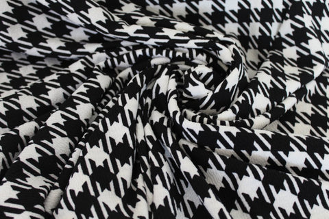 End of Bolt: 2.5 yards of Houndstooth Liverpool Knit