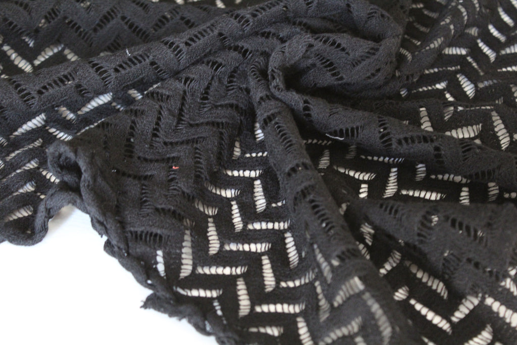 End of Bolt: 1.5 yards of Crochet Zigzag Cotton Lace