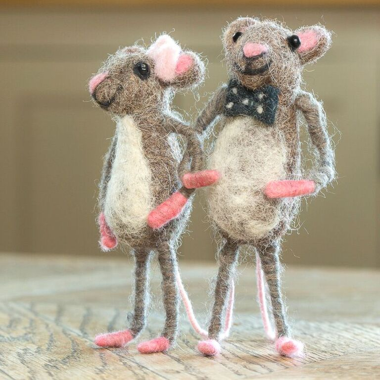 Happy Couple Mouse - Design Withdrawals - Design Withdrawals