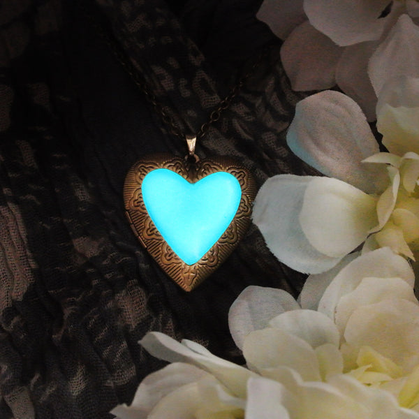 Big Heart - Turquoise - www.CuteGlow.com Glow in the dark jewelry