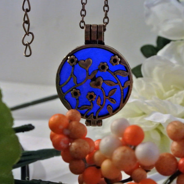 Flower Garden - Blue - www.CuteGlow.com Glow in the dark jewelry