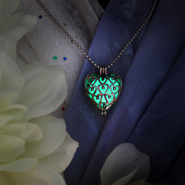 Double Faced Heart - Green - www.CuteGlow.com Glow in the dark jewelry