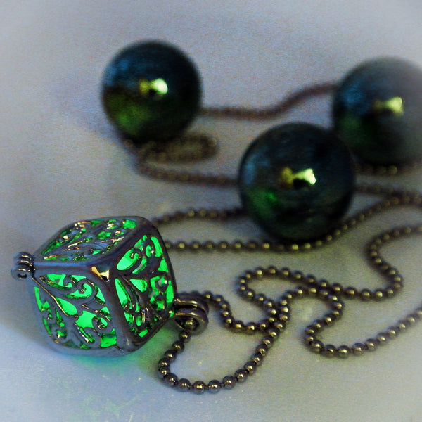 Pandora Box - Green - www.CuteGlow.com Glow in the dark jewelry