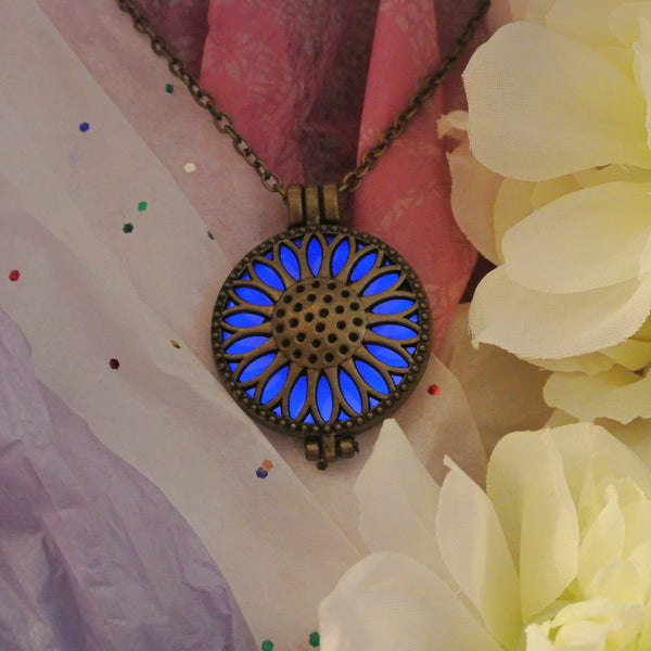 Chamomile - Blue  - www.CuteGlow.com Glow in the dark jewelry