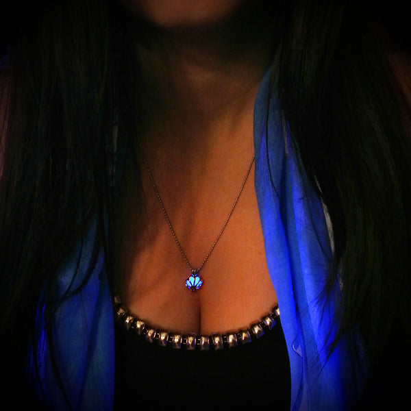 Mini Seashell - Blue - www.CuteGlow.com Glow in the dark jewelry