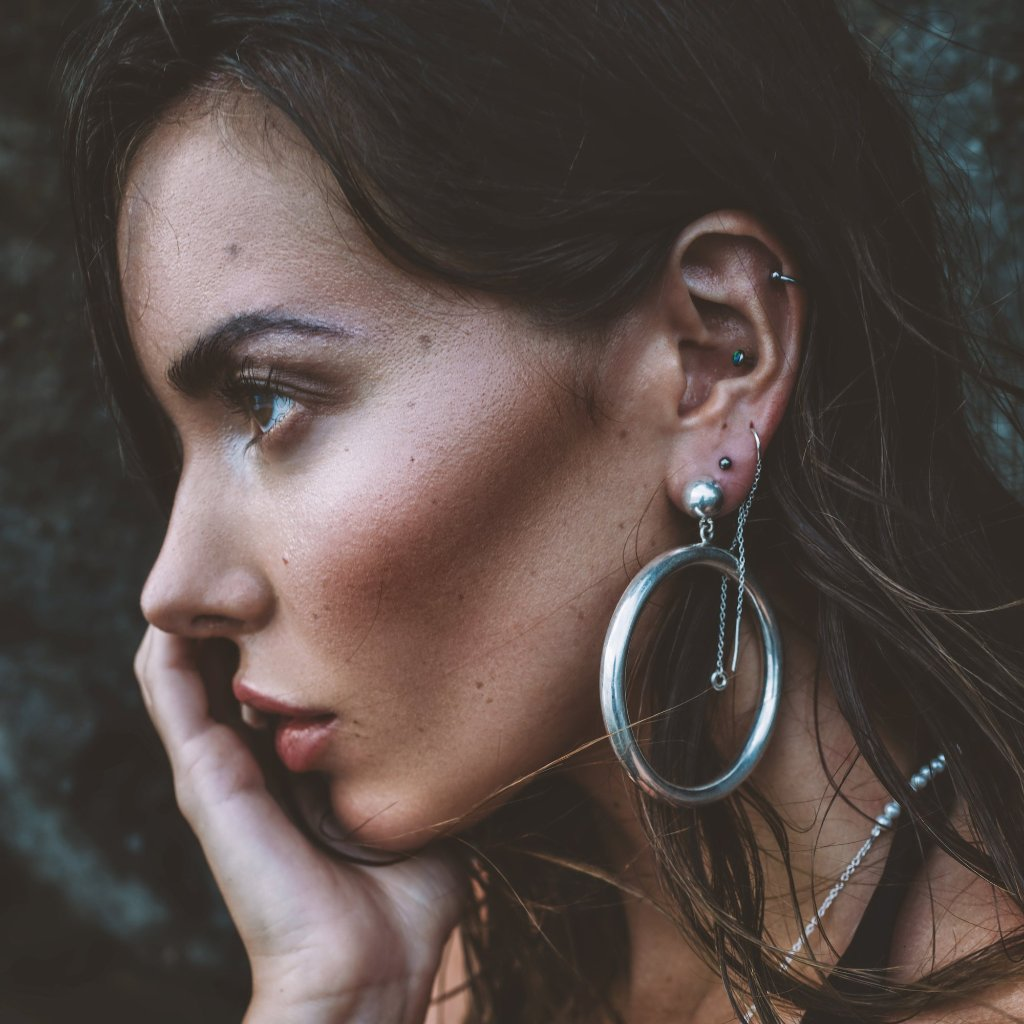 VIKA jewels Olympia Earring Ohrring Statement jewel jewelry schmuck recycled recycling sterling silver silber handmade handgemacht Bali Hoops Photographer Jason Repo Reposar