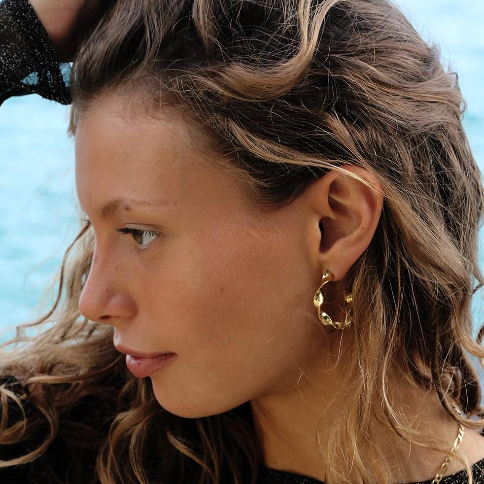VIKA jewels self love collection wave welle earrings Ohrringe recycled sterling silver gold plated 24 carat vergoldet handmade bali sustainable ethical nachhaltig schmuck