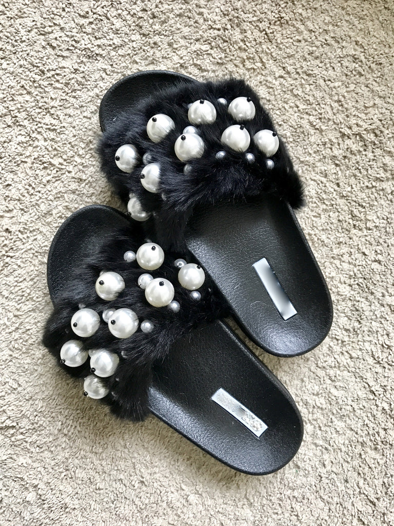 4e7cfd25448 Black furry with pearls slippers ...