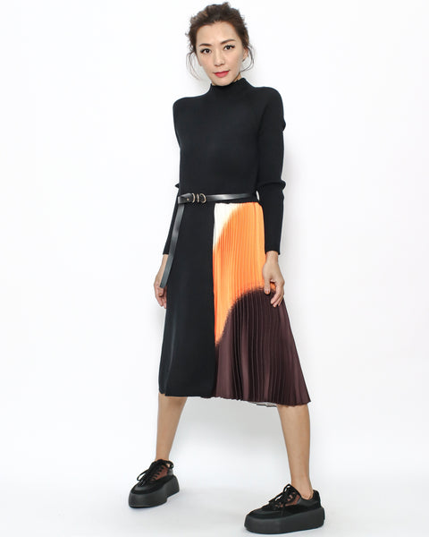 black knitted & colourful pleats dress with belt