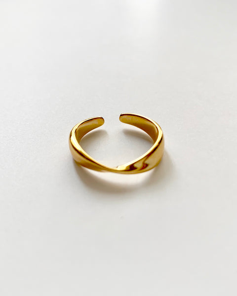 gold twist front ring