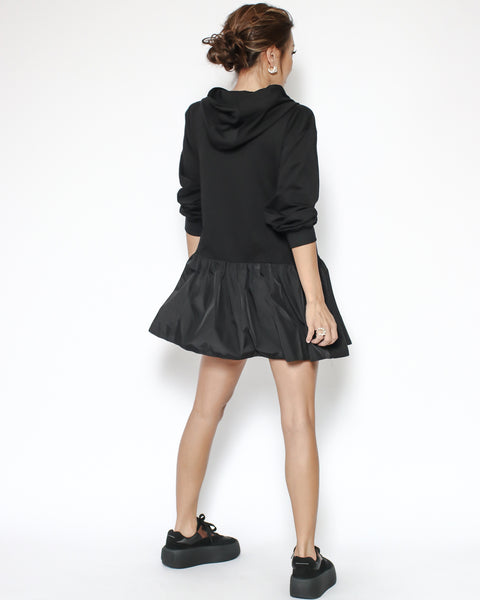 black hoodie sweatshirt with technic weave contrast frill top