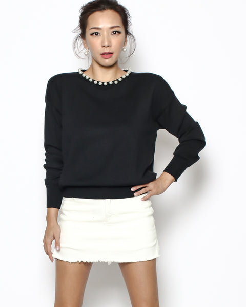 black pearls neckline knitted top