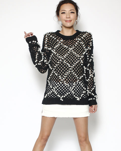 black crochet pearls knitted top