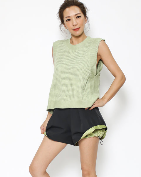 apple green knitted vest