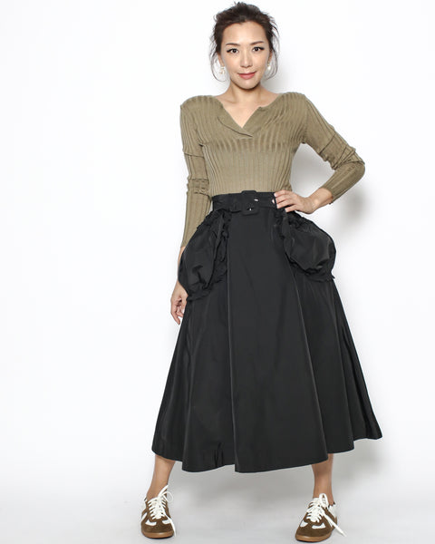black pockets sides skirt with belt *pre-order*