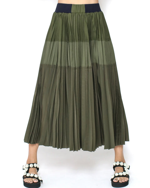 army green pleat midi skirt *pre-order*