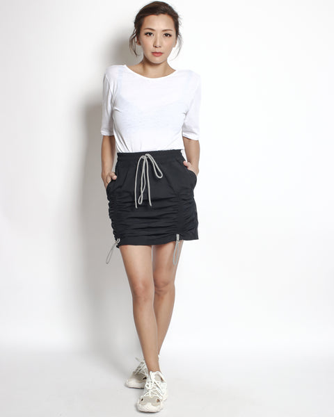 black techinal weave ruched front skirt