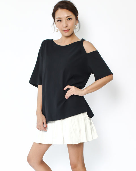 black cutout shoudler twisted strap tee
