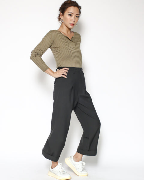 black ruched back casual pants *pre-order*