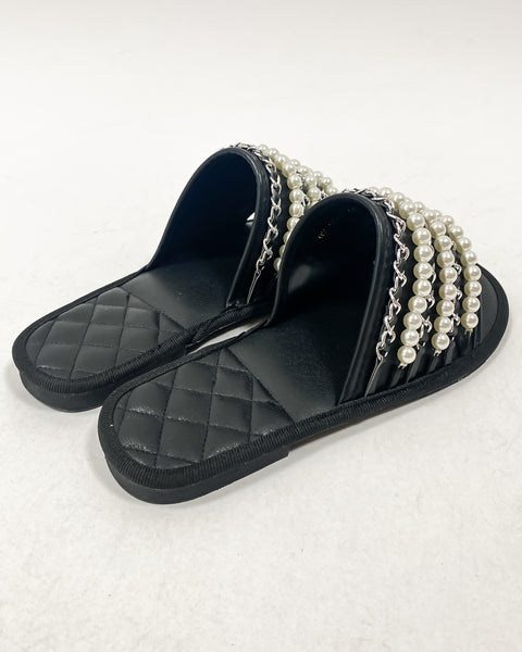black PU pearls chain slippers *pre-order*