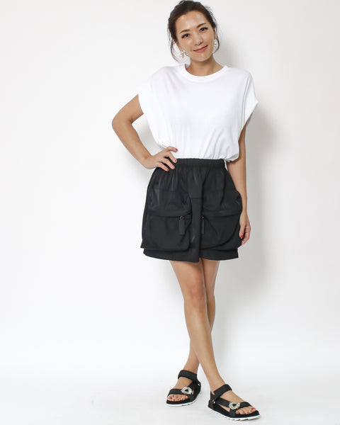 black big pockets front skirt *pre-order*