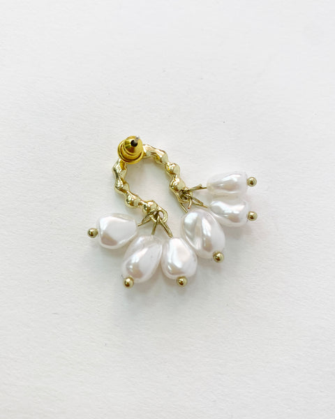 gold & drop pearls earrings