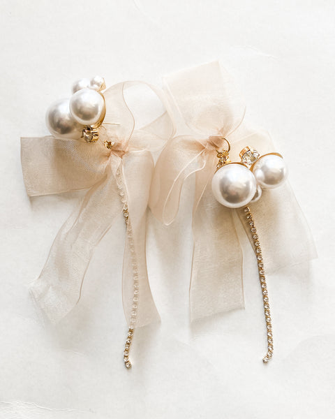 gold pearls diamonds & mesh fabric earrings