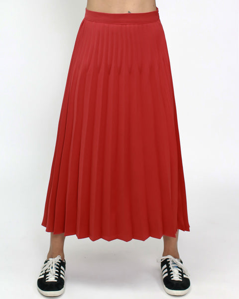 Red pleats midi skirt