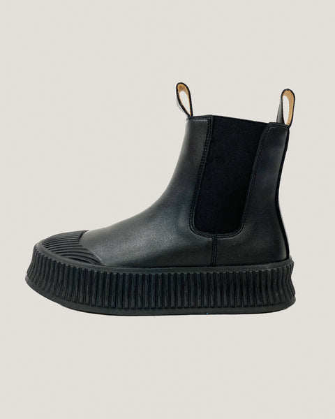 black leather chelsea boots *pre-order*