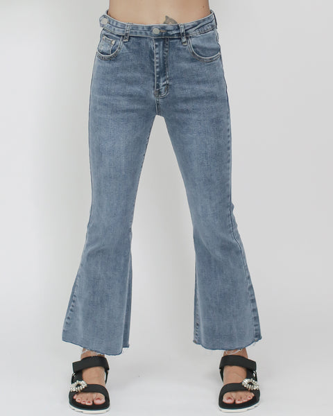 denim cropped flare jeans *pre-order*