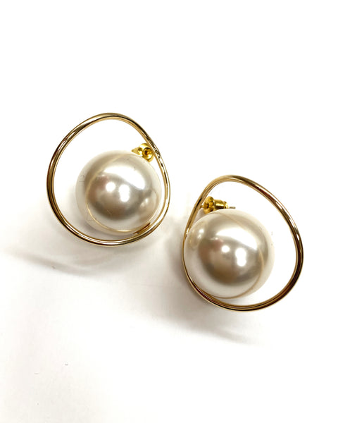 gold round pearls earrings *pre-order*