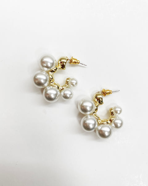hoop pearls earrings