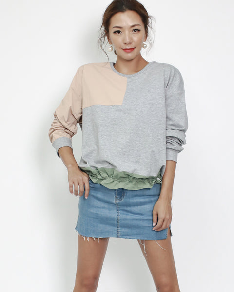 grey tee with nude & green contrast top