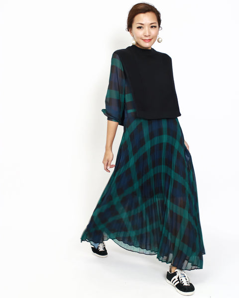 green chiffon checker pleats dress with black knitted vest *pre-order*