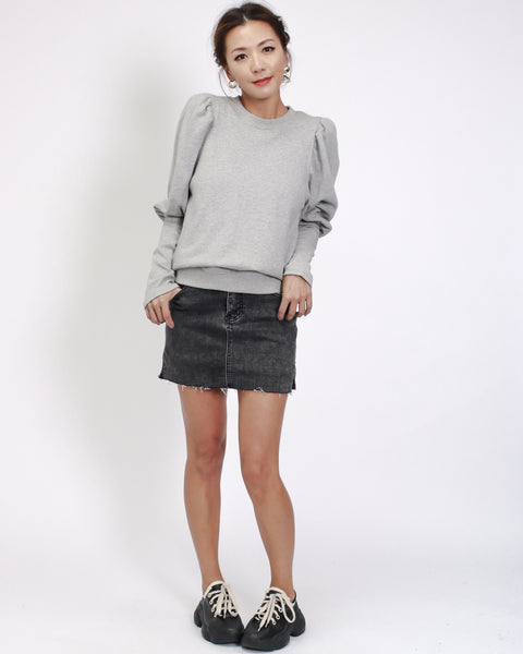 grey sweatshirt with puff sleeves