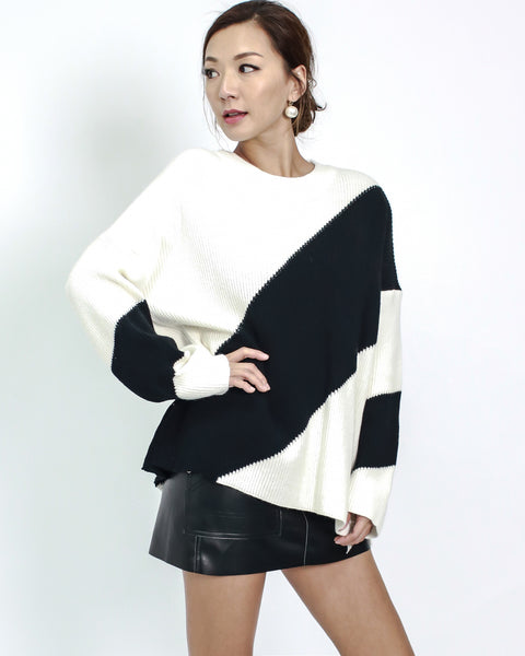 ivory with black panel knitted top *pre-order*