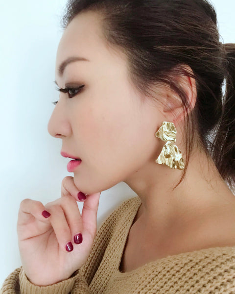 gold texture metal earrings *pre-order*
