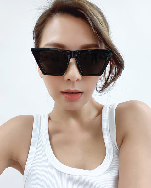 black cat eye with dark grey tint lense sunglasses