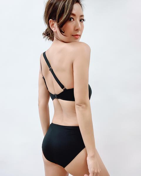 black strappy one shoulder one piece swimsuit *pre-order*