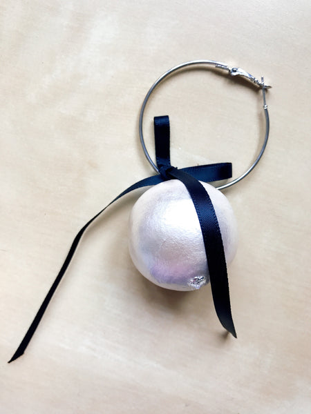 Extra large texture pearl with ribbon loop earring